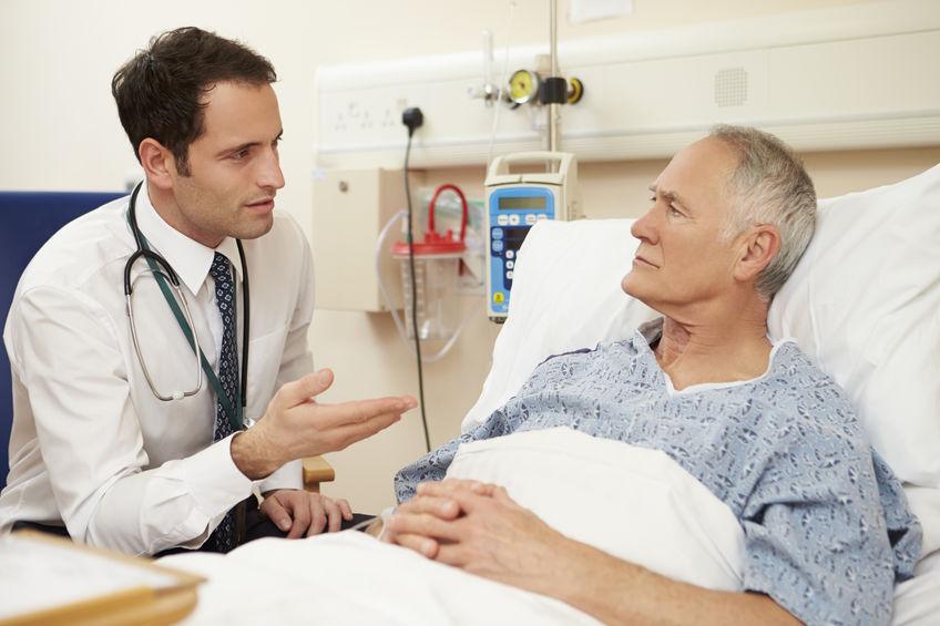 Como é o pós-operatório da cirurgia de câncer de cólon